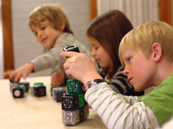 kids-and-cubelets-1